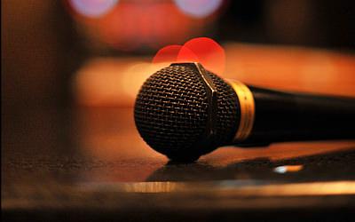【歌う前に学べ】カラオケ上達に欠かせない練習方法と基礎知識を解説
