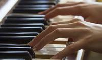 不器用でもOK?ピアノで弾き語りができるようになるテクニック