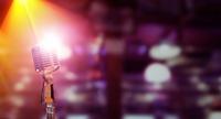 誰でも自由に歌えるオープンマイクの魅力|ボイストレーニングVOAT