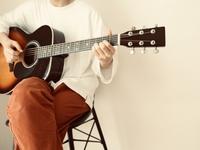 弾き語り初心者のギターの選び方|ボーカルスクールVOAT